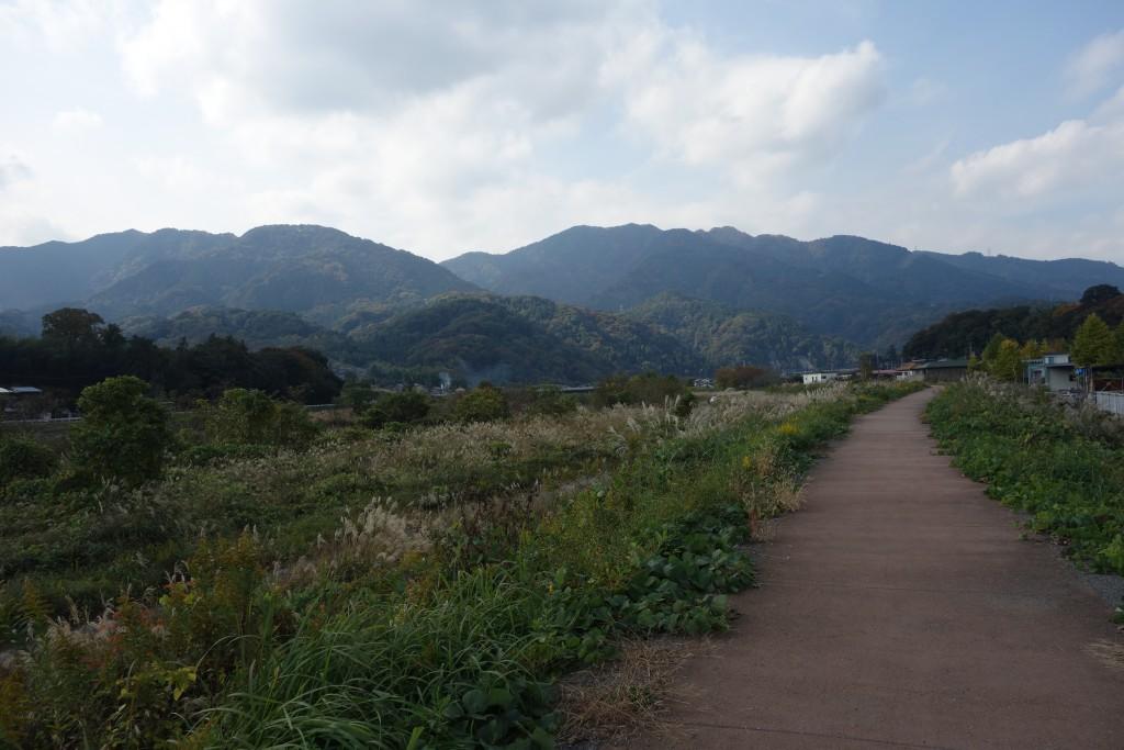 中津川のサイクリングロード