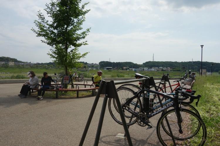 境川サイクリングロードの休憩所