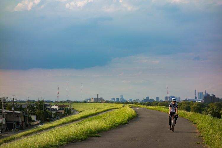 荒川サイクリングロードの夕日と限界